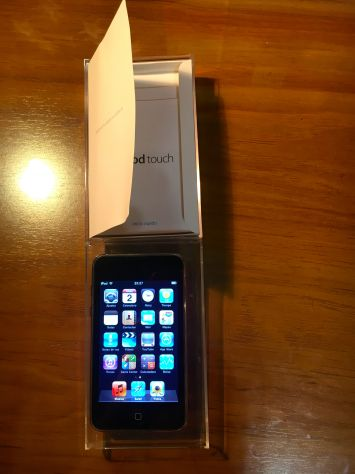 IPod Touch 2ª Gen. 32 GB + Caja Original + Funda